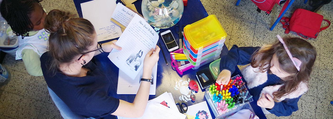 Combinez vie professionnelle et vie étudiante